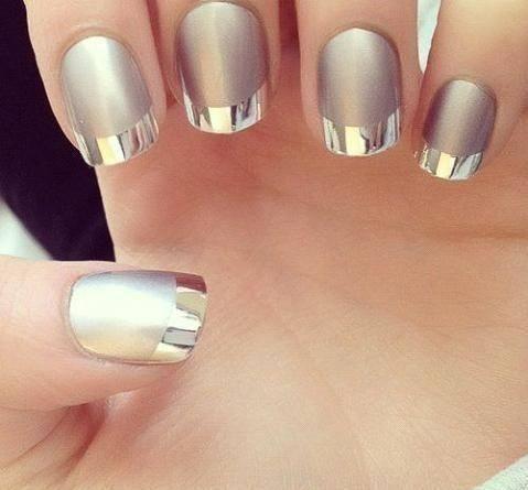 French nails z metalicznymi końcówkami