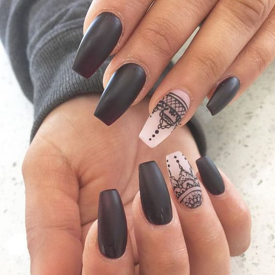 Orientalny wzór na paznokcie