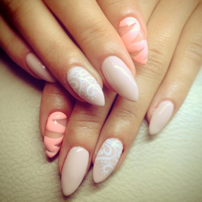 Pastelowe wzorki na paznokciach