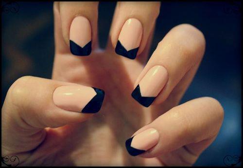 Czarne wzorki na paznokcie