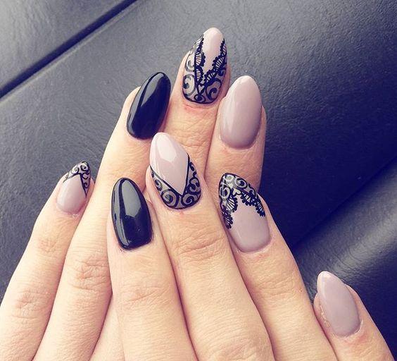 Elegancka koronka na paznokciach