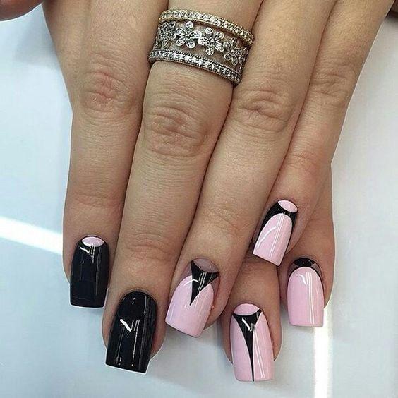 Czarno-różowe paznokcie ze wzorkiem