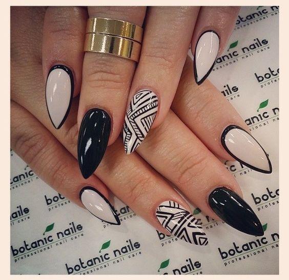 Obrysowane paznokcie