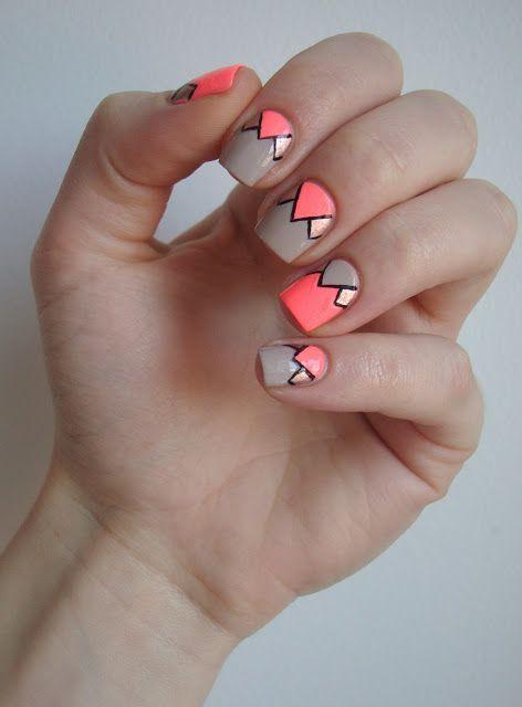 Neonowy wzór trójkątów