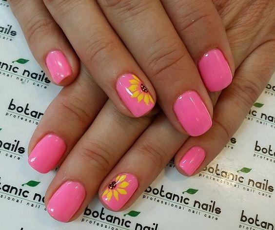 Słoneczniki na paznokciach
